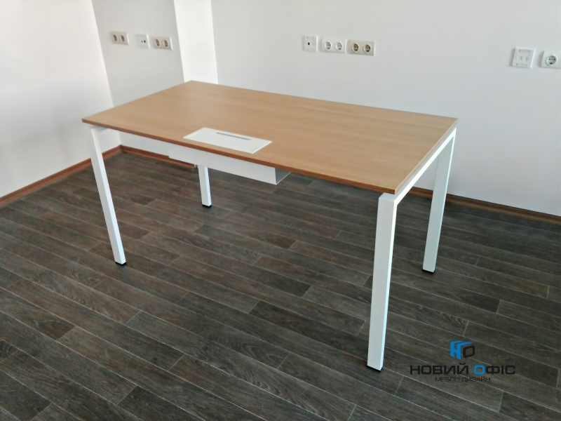 Стильный офисный стол с люком для кабеля  140х75х70 kd-1470 со склада | Фото - 0