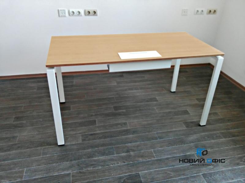 Стильный офисный стол с люком для кабеля  140х75х70 kd-1470 со склада | Фото - 1